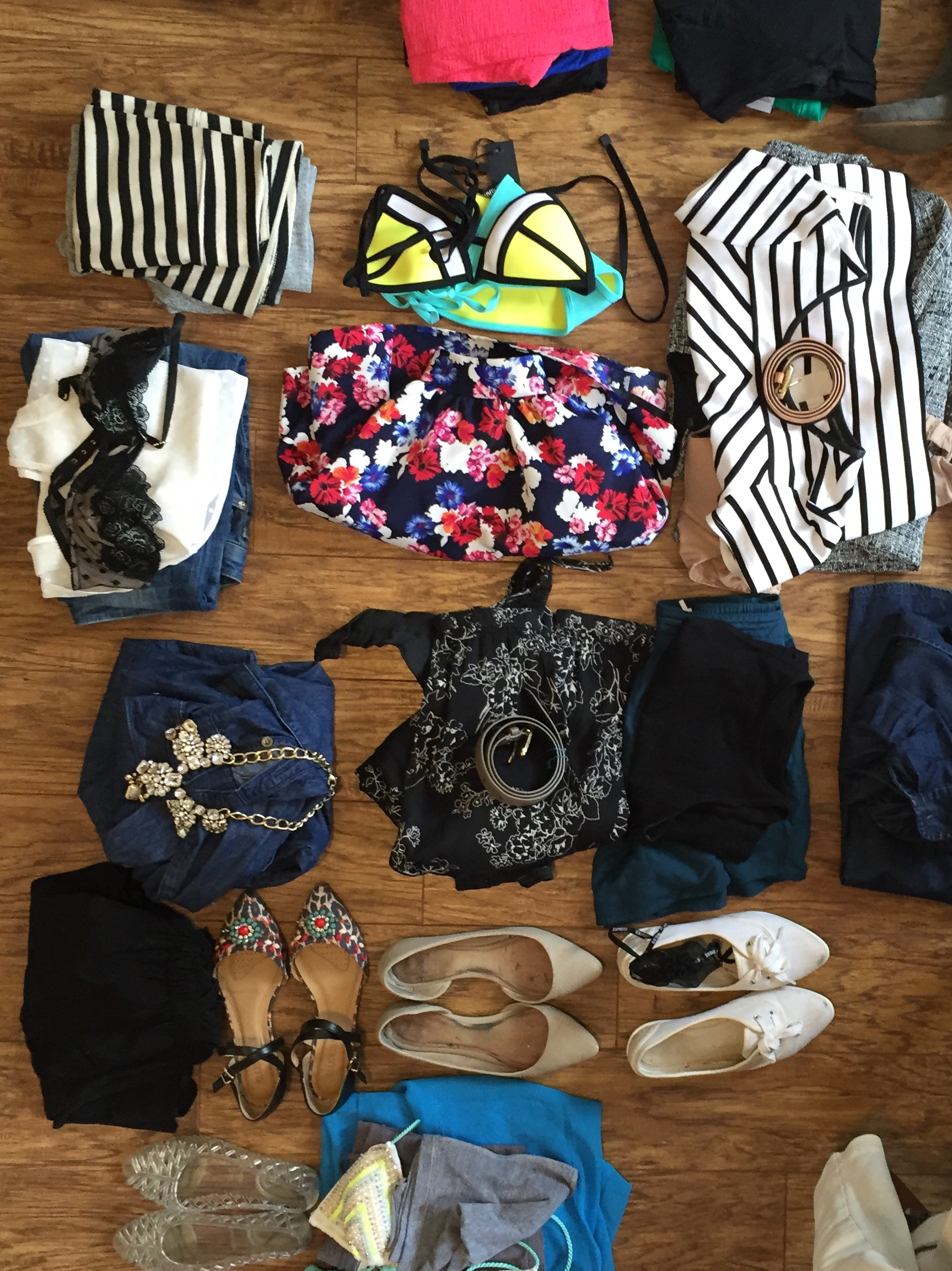 Featuring Aldo, Banana Republic, American Eagle, American Apparel, Baublebar and more.